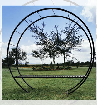 Round-arch-with-bench