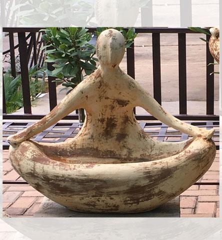 DKP-Meditation-Statue